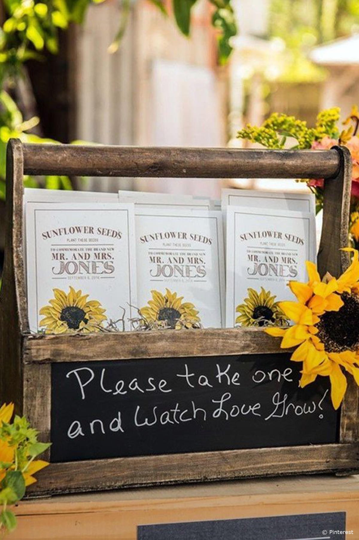 10 of our Favourite Wedding Favours 2016 - Sunflower seeds