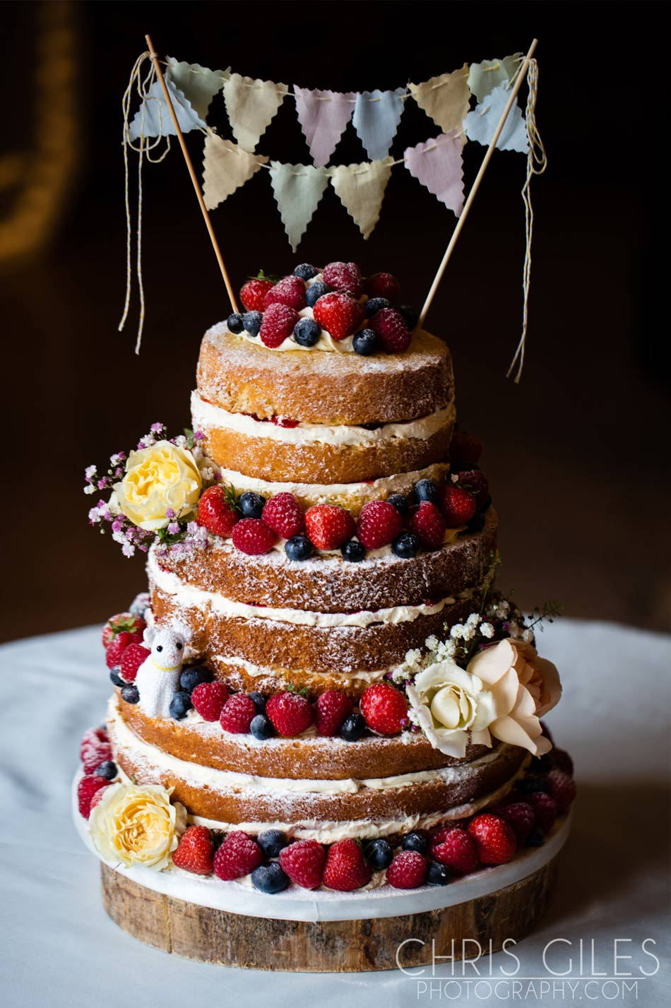 Rustic wedding ideas naked fruit and cream cake