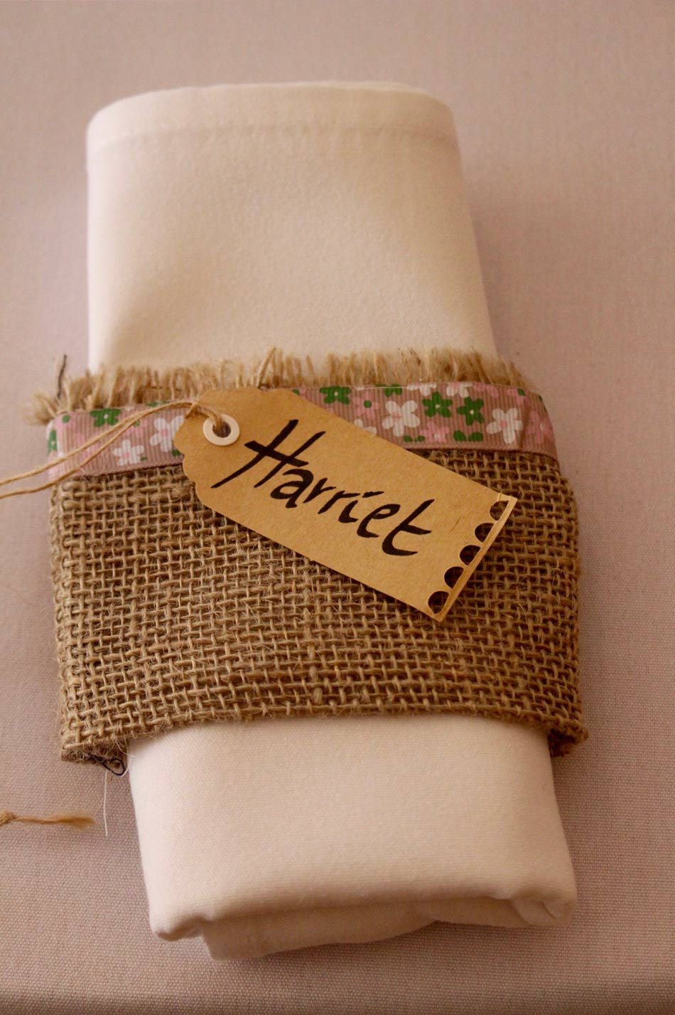 Rustic wedding ideas hessian napkin luggage tag