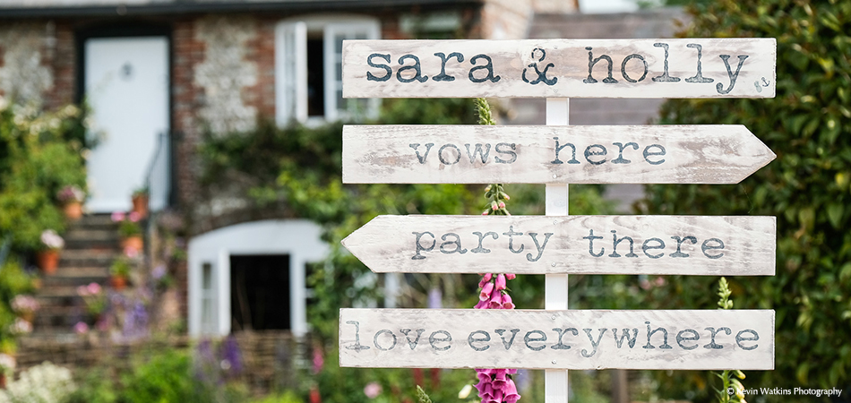 Guide your wedding guests around Upwaltham Barns with simple signs – wedding ideas